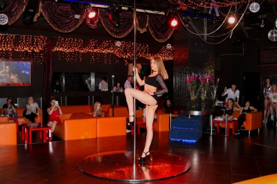 exotic-pole-dance-11